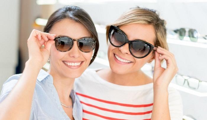 Салон оптики дарит 2000 рублей на солнечные брендовые очки