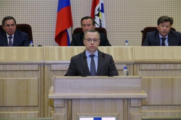Вице-губернатор Юрий Петухов объяснил, почему его квартира не попала в декларацию за 2015 год, но попадет в декларацию за 2016 год