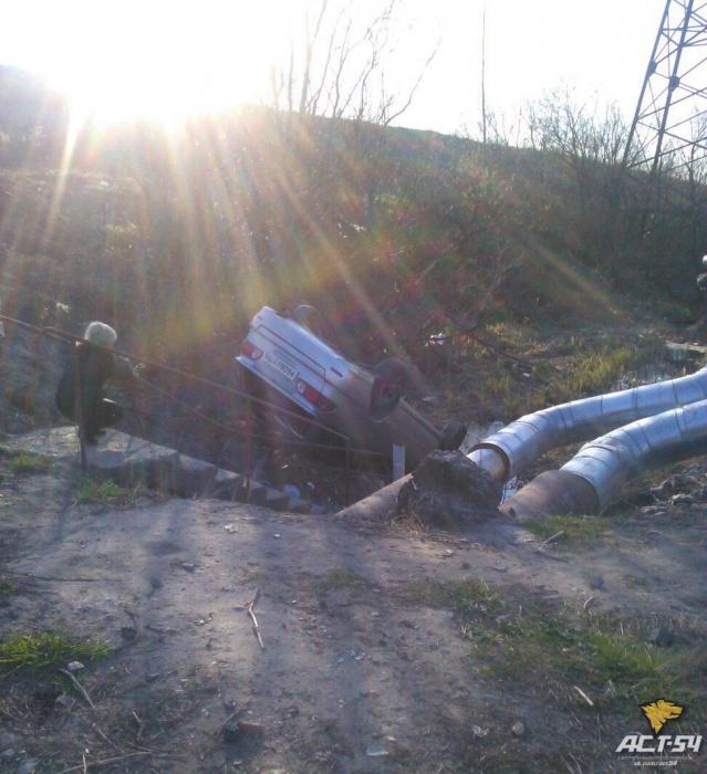 Опубликованы фото с места смертельного ДТП в Новосибирске, в котором погиб священник