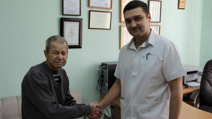 Новосибирские врачи вернули худому мужчине возможность есть ртом