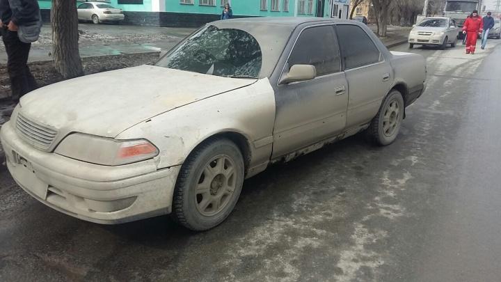 Тойота-«котопес» устроила аварию с МАЗом на Владимировской