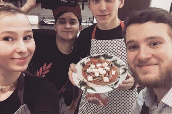Новосибирское шоу «Не забудь посолить» про то, как готовить вкусно, быстро и полезно