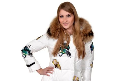 Фотокаталог «Пять сезонов»: модная зимняя одежда со скидками до 80 %
