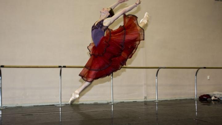 Каморка примы-балерины: НГС побывал в гримерке одной из самых известных балерин НОВАТа