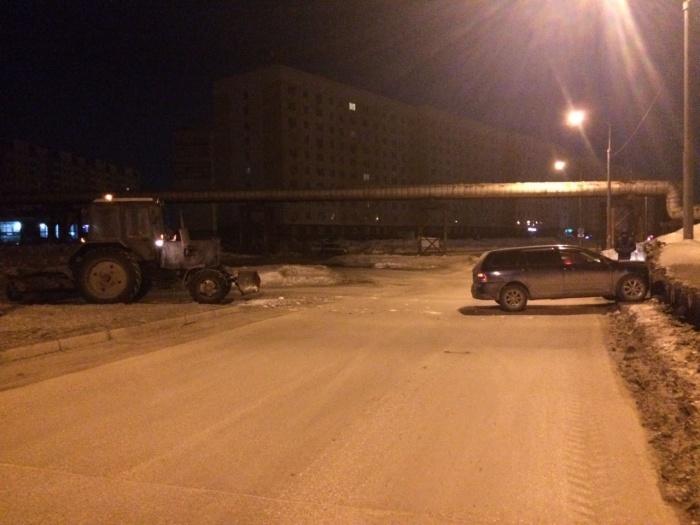 Трактор и «Тойота» столкнулись в три часа ночи