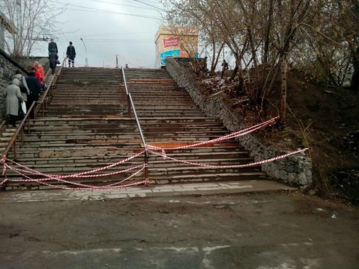 Лестница у метро «Речной вокзал»