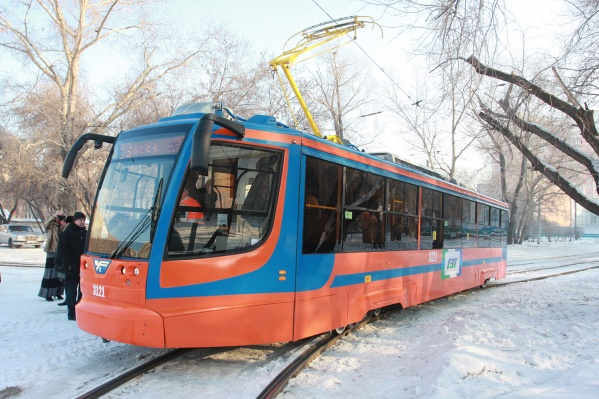 Предприниматели попросили мэра Новосибирска не убирать трамвайные пути на ул. Учительской. Фото Стаса Соколова<br>