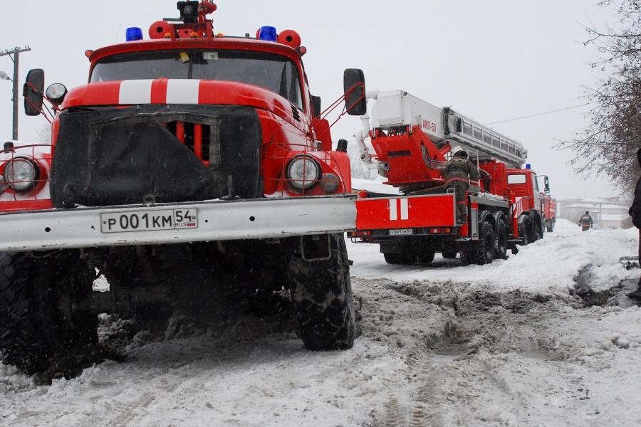 Двое детей погибли впожаре вНовосибирской области