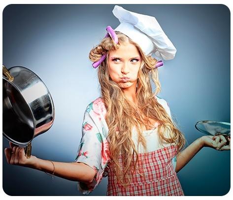 Новосибирцев убедили отмечать Новый год дома и даже не готовить