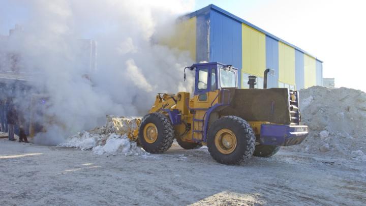Погрузчик переехал живот работнику снегоплавильной станции