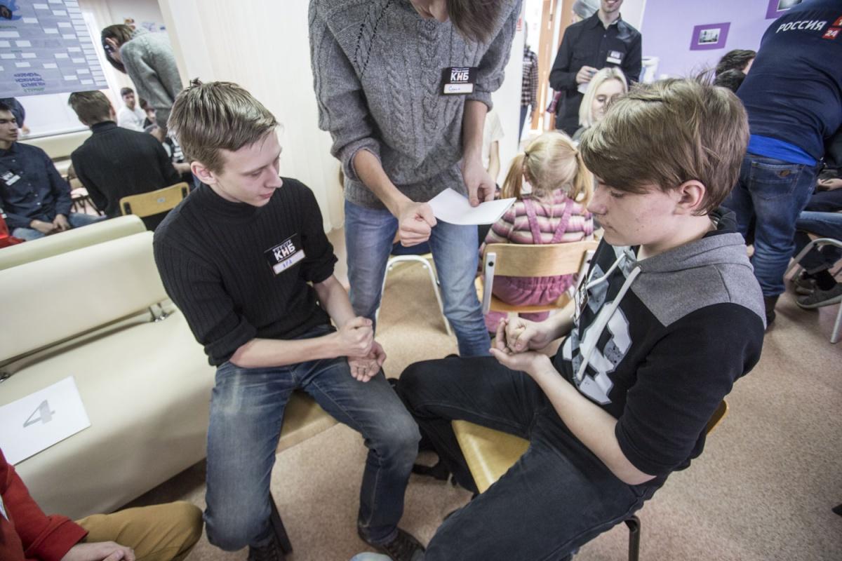 Турнир по игре «Камень-Ножницы-Бумага»проходит в Новосибирске уже во второй раз