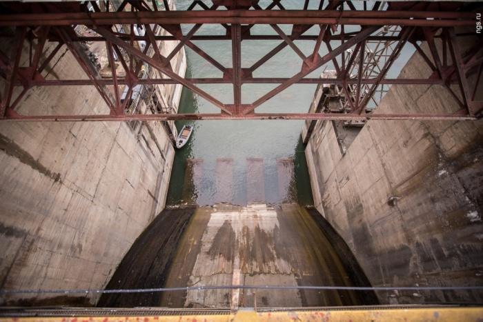 На Новосибирской ГЭС начали сбрасывать воду вхолостую