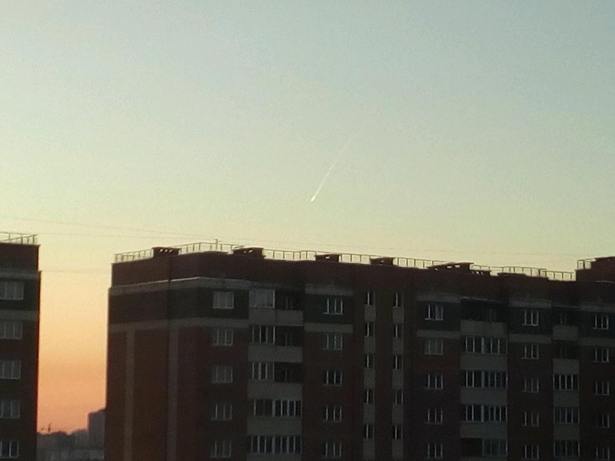 Неизвестный объект, падающий над Новосибирском