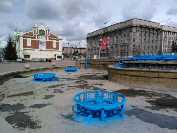 Фонтан в Первомайском сквере готовят к весне
