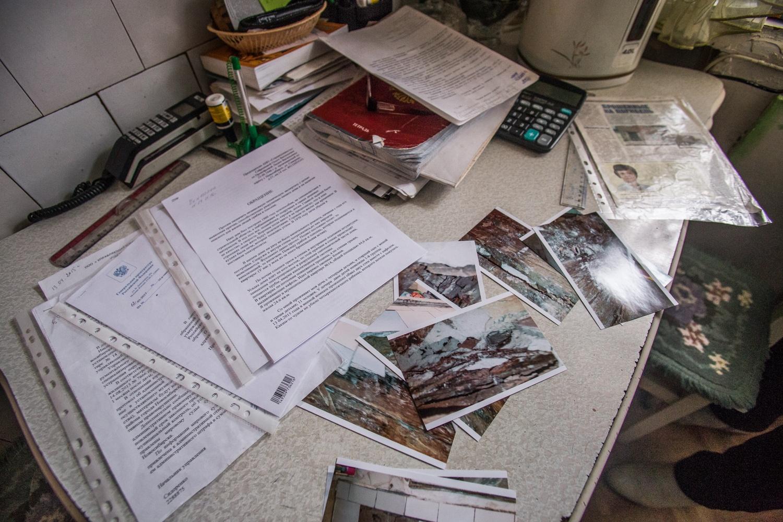 """Жители дома <nobr class=""""_"""">№ 27</nobr> на ул. Северной с 1999 года регулярно пишут жалобы чиновникам, депутатам и прокурорам"""