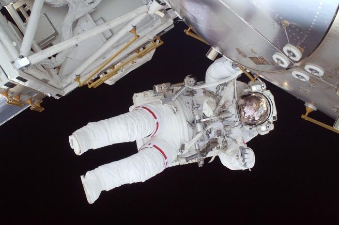 Роскосмос позвал новосибирцев в отряд космонавтов для полета на Луну