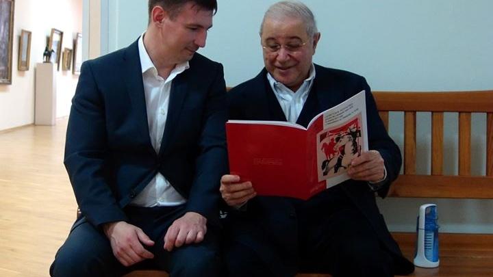 Аукцион с картиной красноармейца за 700 тысяч посетил комик Евгений Петросян