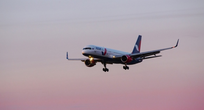 Ночью над Новосибирском кружил Boeing-757 авиакомпании AZUR air