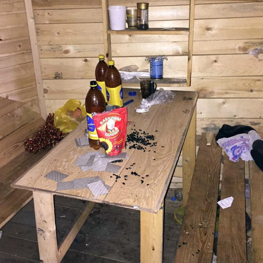 Омские школьники построили для себя «пивнушку»