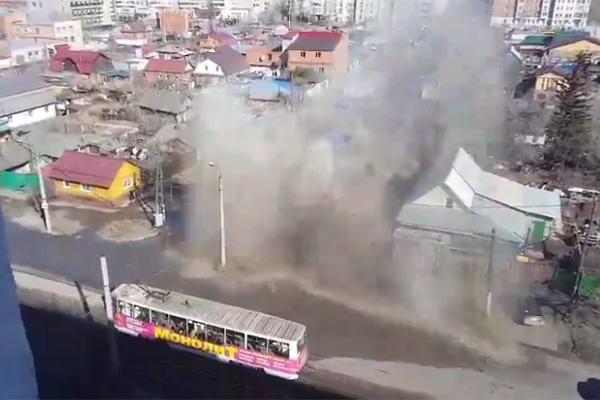 ВОмске затопило улицу Лермонтова