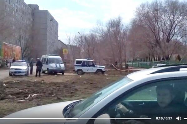 Полицейским пришлось эвакуировать людей из зданий детсада и магазина<br>