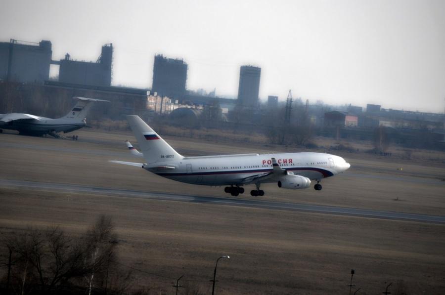 Самолет счленами руководства РФ попал ваварийную ситуацию вОмске
