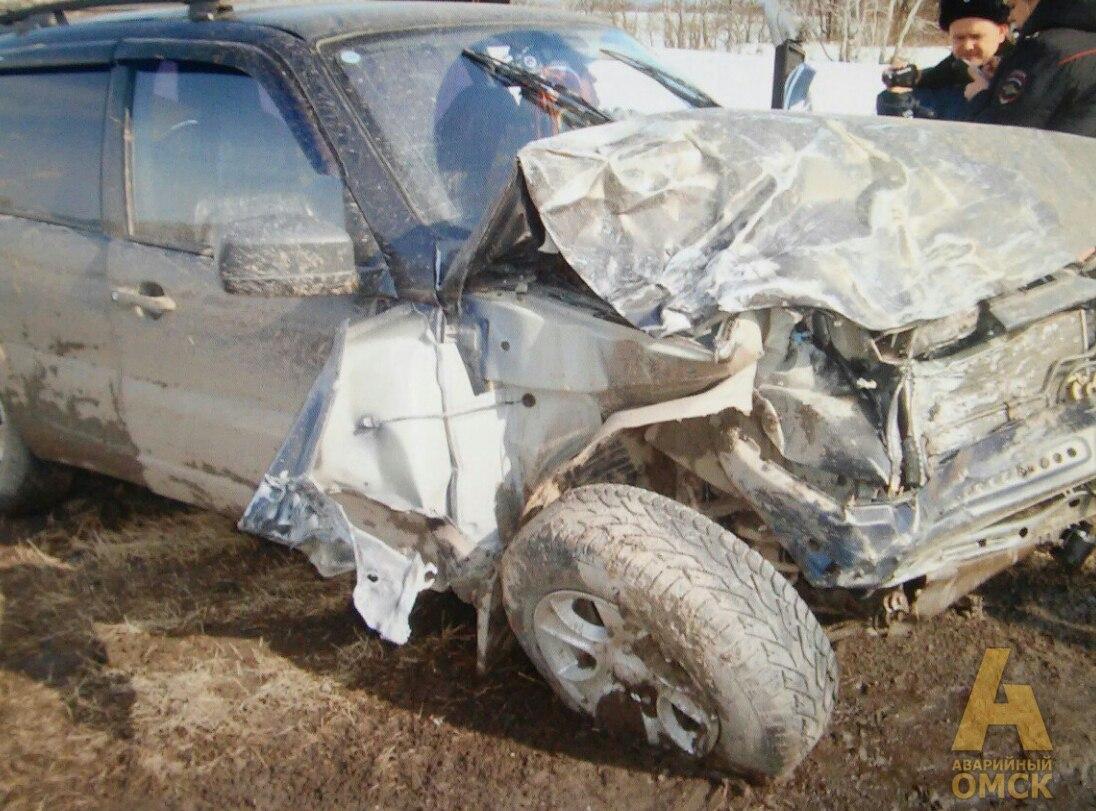 Тара: 25-летний пассажир умер влобовом ДТП натрассе Омск