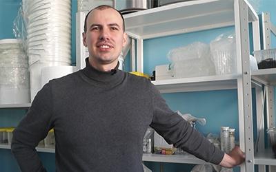 Омский ученый получил полмиллиона наразработку косметики спометом червей