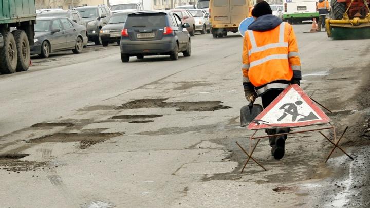 Омским предпринимателям грозит штраф за самовольный ремонт дороги
