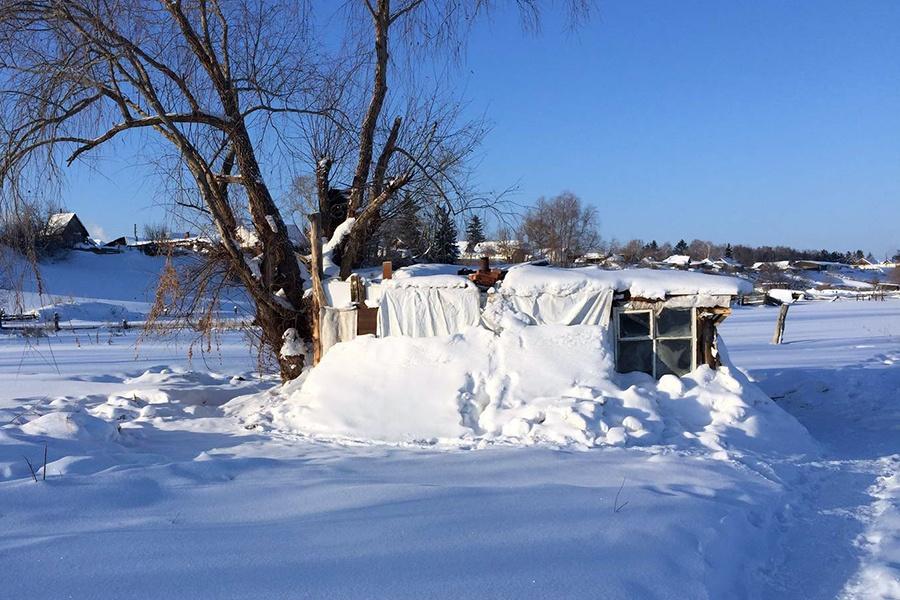 ВОмской области школьники соорудили себе хижину, где прогуливали уроки