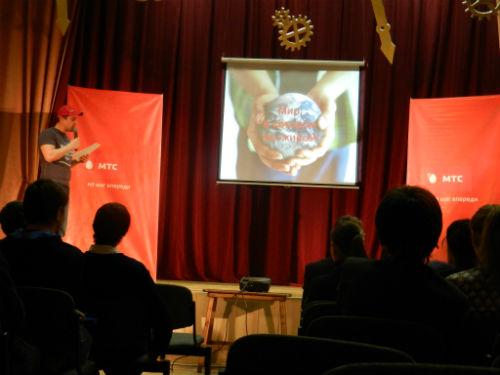 Самарские старшеклассники продемонстрировали взрослым все возможности мобильного интернета
