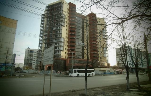 Дольщикам жилого комплекса в Челябинске вновь перенесли сроки сдачи дома на полгода