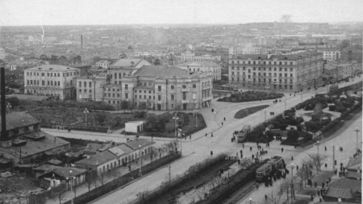 Город на ладони: разглядываем знакомые улицы Екатеринбурга, снятые сотни лет назад