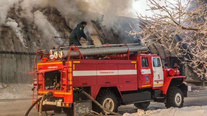 Соседи спасли из загоревшейся квартиры задыхающегося мужчину