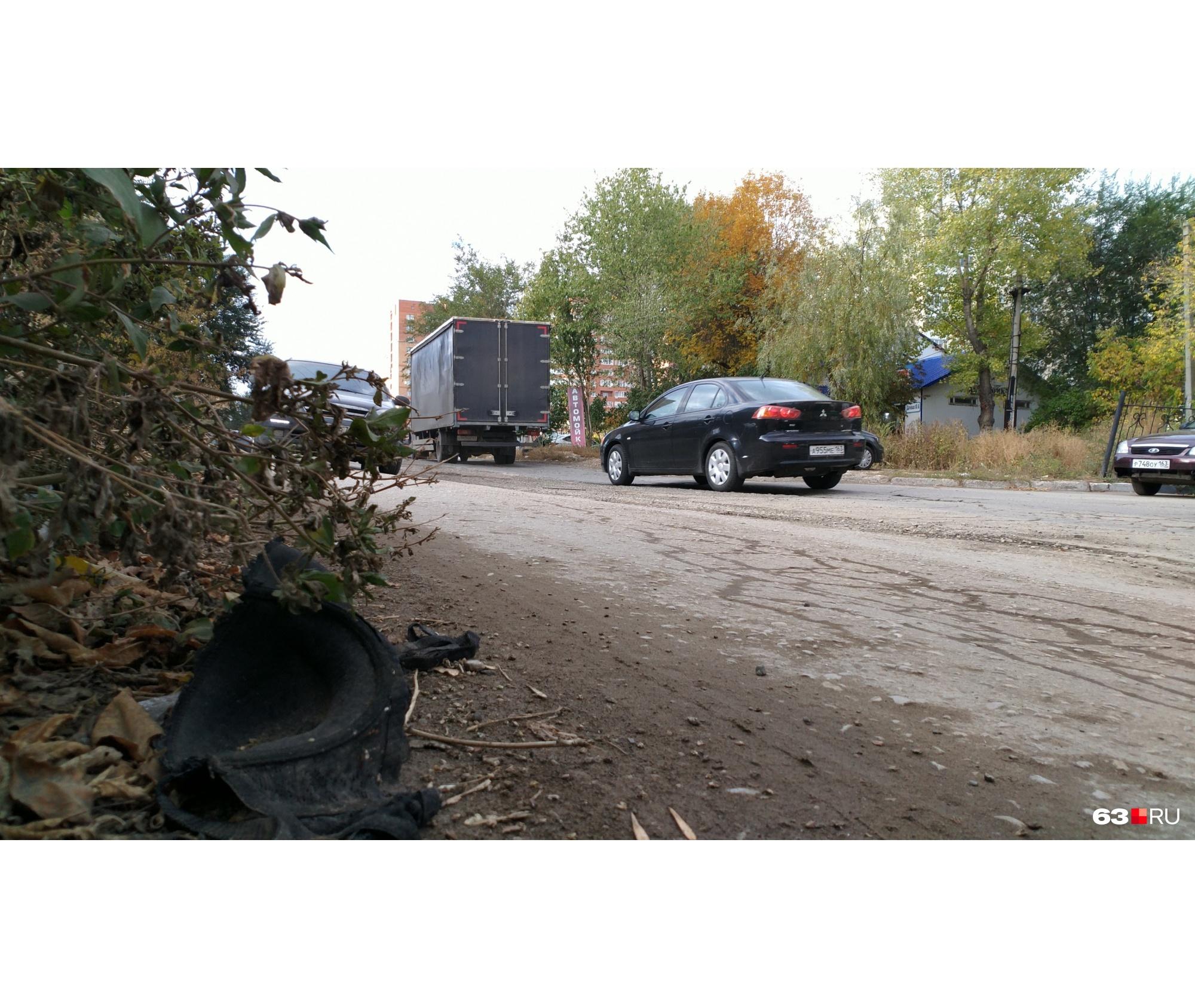 В ожидании ремонта остатки дороги, по всей видимости, полностью разрушатся