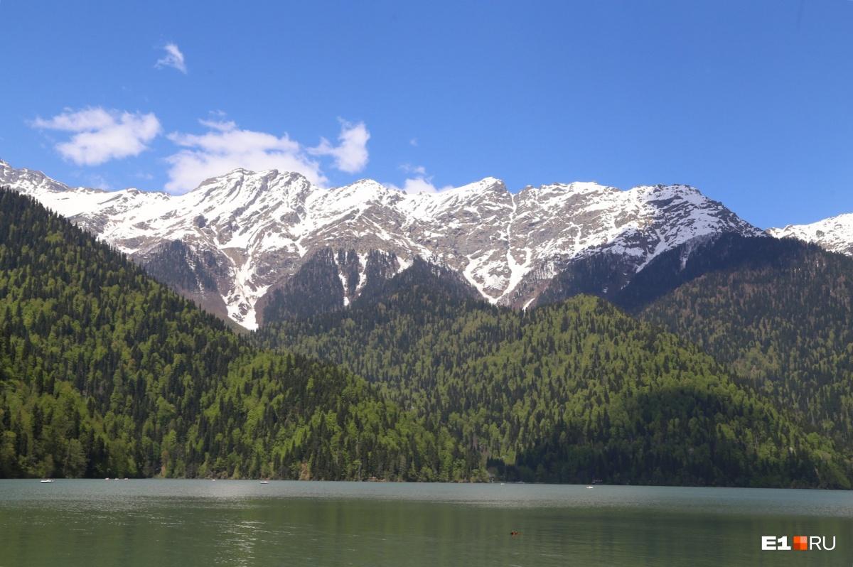 Абхазия притягивает своими ценами и шикарной природой, но отпугивает сервисом