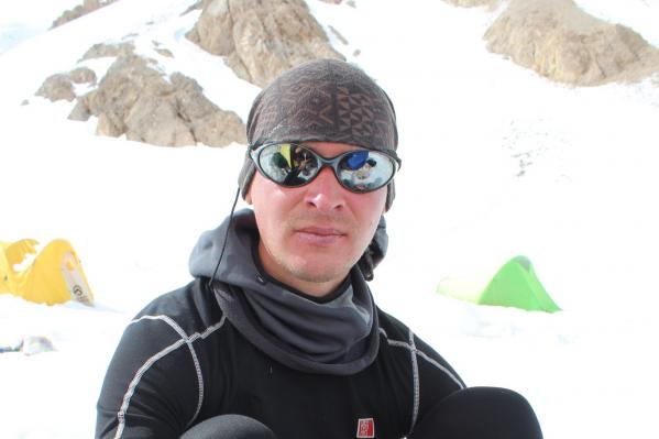 Опытный спортсмен погиб во время восхождения на вершину Бодхона