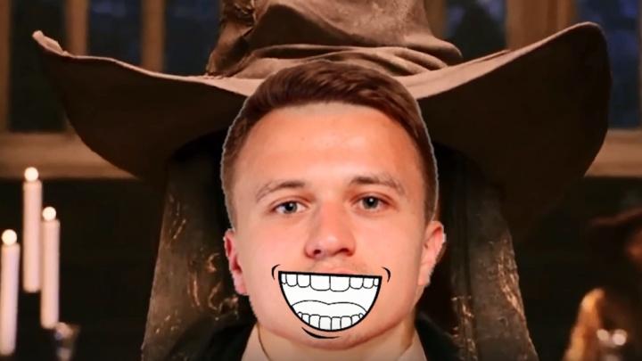 В футбольный «Енисей» перешел игрок из «Анжи». Его представили красноярцам в стиле Гарри Поттера