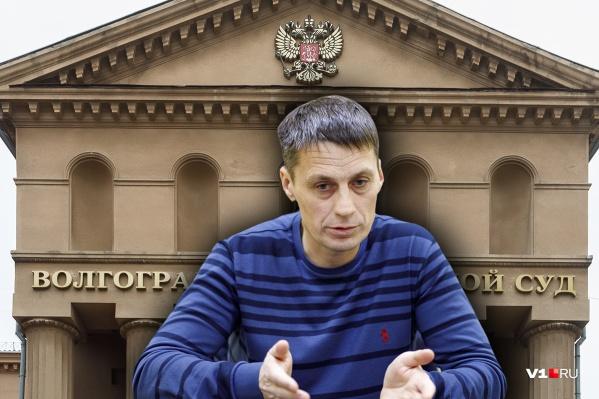 Алексей Афонькин несколько раз в месяц встречается с судебными приставами