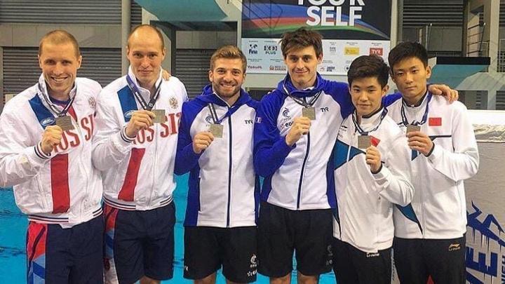 Братья из Екатеринбурга взяли бронзу на мировой серии Гран-при по прыжкам в воду в Сингапуре