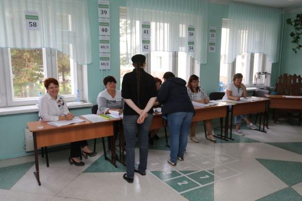 Всю первую половину дня ажиотажа на избирательных участках в Новосибирске не было
