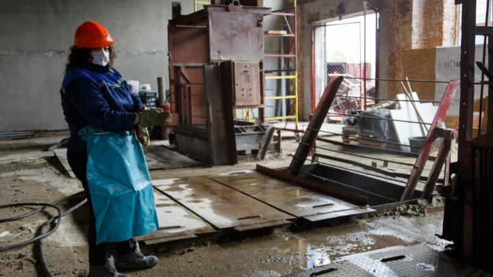«До сих пор воняет»: центр Волгограда избавят от запахов фекалий только после Нового года