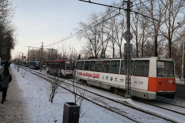 Пассажирам приходится пересаживаться на автобусы