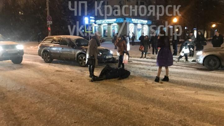 Водитель сбил перебегавших перед ним проспект Мира на красный женщин