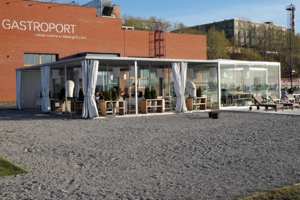Ресторан Gastroport не платил зарплату сотрудникам, когда в заведении шел ремонт