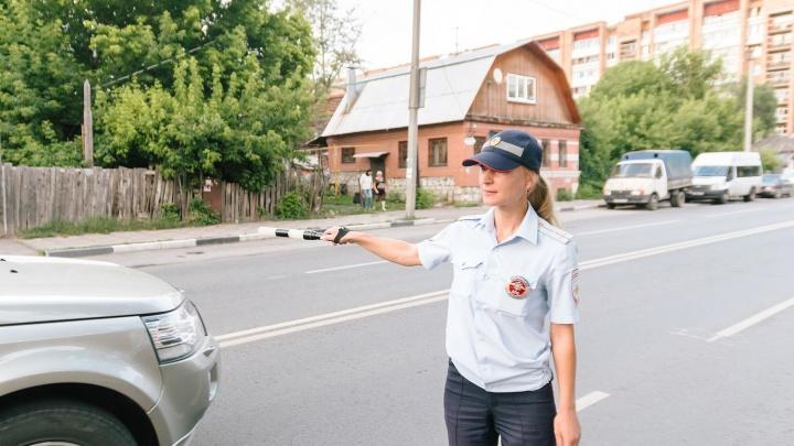 «Не всегда нужно наказывать водителя, иногда хватает беседы»: женщина-инспектор ДПС о службе в ГИБДД