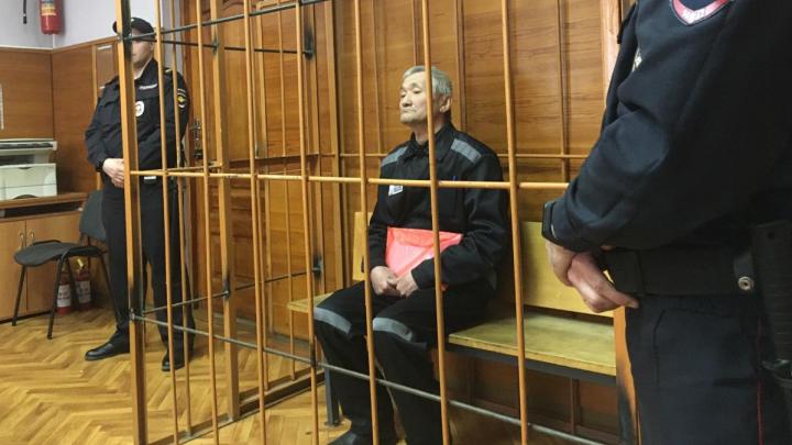 Екатеринбуржца, который довел жену до суицида, судят за нападение на дочь