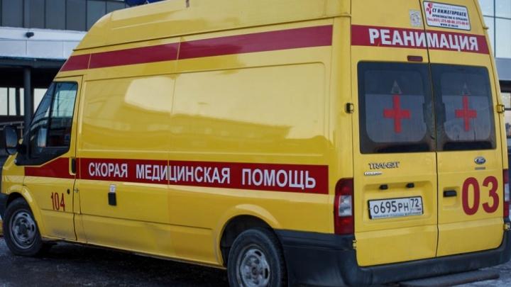 В Тюмени мужчина от удара машины четыре раза перевернулся в воздухе, но остался жив