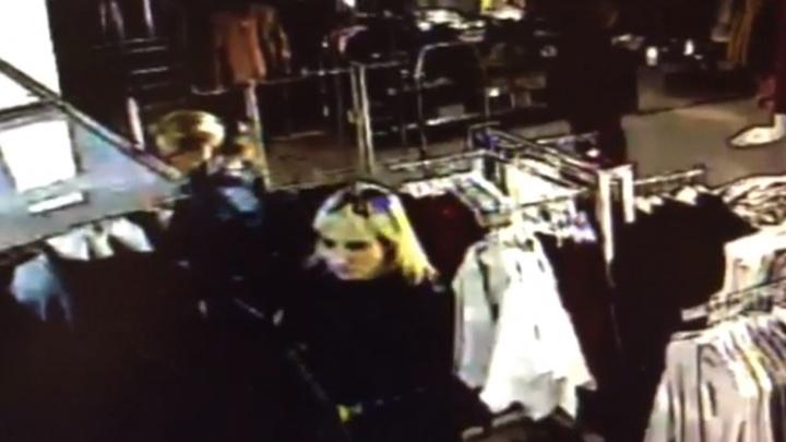 В Екатеринбурге по видео ищут женщину, которая украла из «Успенского» мужскую одежду размера XL
