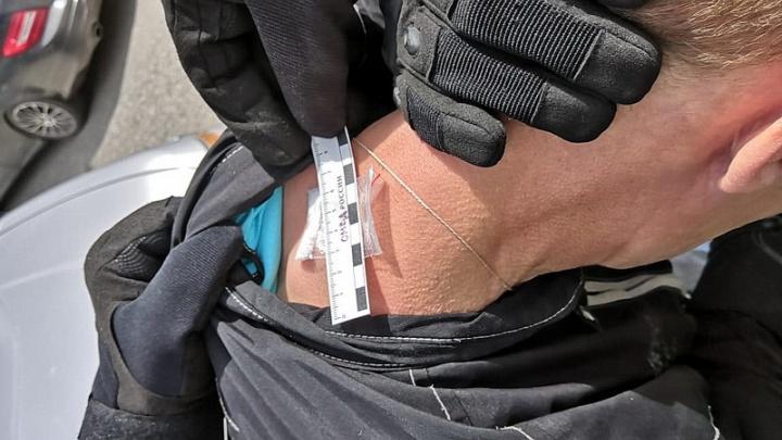 Спрятал «синтетику» на шее: шадринца задержали по подозрению в незаконном хранении наркотиков